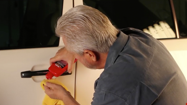 Mothers Polish - How to Remove surface scratches in your paint Video shows how to best remove surface scratches from your paint.