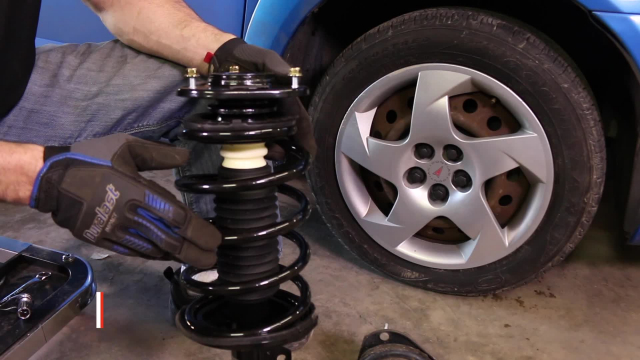 How to Replace Shocks and Struts in a Pontiac Vibe or Toyota Matrix – 2003-2008